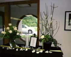 memorial table at class reunion