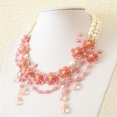 «Вишня в цвете в полном расцвете» бисерные украшения