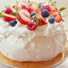 Pavlova Cake, Pavlova Recipe, Ale, Cheesecake, Food Porn, Birthday Cake, Pudding, Make It Yourself, Baking