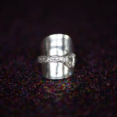 """@lady.rock.crafts's Instagram profile post: """"Spoon bending 🥄🔨💍 This was a tough one 🔨 #spoonring #spoonrings #diyrings #crafts #craftproject #jewelry #jewelryphotography…"""" Diy Rings, Jewelry Rings, Spoon Bending, T Shirt Remake, Spoon Rings, Old T Shirts, Rock Crafts, Jewelry Photography, Craft Projects"""