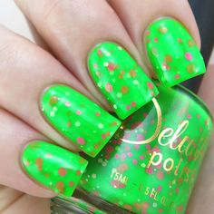 An effortless neon green crelly base, featuring a playful glitter mix that gives…