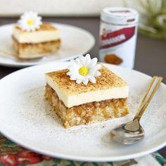 Fitness jablečný kremšnit - zdravý recept Bajola Sweet And Salty, Tiramisu, A Table, Cheesecake, Food And Drink, Menu, Baking, Healthy, Ethnic Recipes