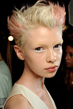 This is how you do short. Pink tips not required. From beautysnob blog