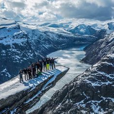 Guided 3-day tour. Hike Trolltunga on Snowshoes from February to May😊  #trolltunga #hike #snowshoes #nature #experience #winterwonderland  Photo: Trolltunga active