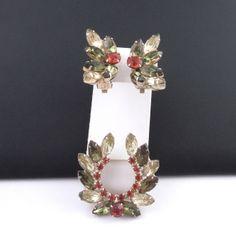 Vintage Rhinestone Jewelry Set Brooch Earrings Laurel Wreath