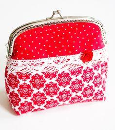 Clipbörse als kleine Handtasche oder Kosmetiktasche - gratis Nähanleitung via Makerist.de