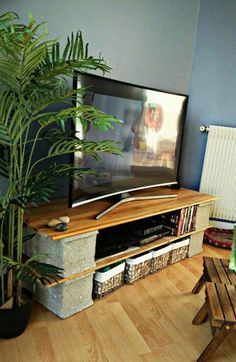 Already have ideas for weekend project? How about replacing your old TV stand with a new one? Find your DIY TV stand ideas here. Muebles Rack Tv, Cinder Block Shelves, Cool Tv Stands, Diy Tv Stand, Tv Furniture, Audio Room, Home Projects, Living Room Decor, Diy Home Decor