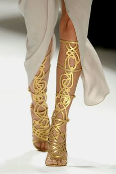 These shoes are to die for. I must have a pair. Period.