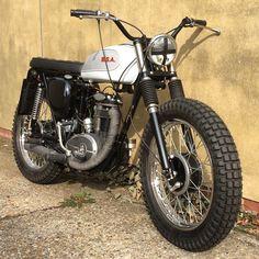 16 Ideas For Bsa Motorcycle Vintage Motorbikes Tracker Motorcycle, Moto Bike, Cafe Racer Motorcycle, Motorcycle Design, Bike Design, British Motorcycles, Cool Motorcycles, Vintage Motorcycles, Yamaha Cafe Racer