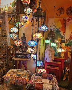 Good conceptualized Meditation Room ideas reference - Eclectic Home Decor Bohemian Room, Bohemian Bedroom Decor, Bohemian House, Room Decor Bedroom, Hippie House, Gypsy Decor, Meubles Peints Style Funky, Hippy Room, Meditation Rooms