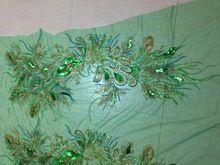 1 stuks groene tull geborduurde pailletten kralen applique phoenix pauw staart pailletten patches voor kleding cheongsam stof(China (Mainland))