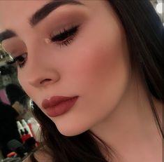 Mooie stap voor stap make-up. stap voor stap oogmake-up Glam Makeup, Pretty Makeup, Simple Makeup, Skin Makeup, Makeup Inspo, Makeup Art, Makeup Cosmetics, Natural Makeup, Makeup Inspiration