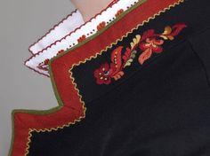 Almankås sort Vest-Telemark bunadsjakke Folk Art, Embroidery Designs, Vest, Brooch, Dolls, Inspiration, Ethnic, Women, Fashion
