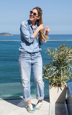 paula merlo editoras brasileiras looks jeans total calca camisa glamour revista