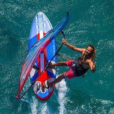 #peace #inflatable #starboardwindsurfing @starboardwindsurfing #mysticboarding #severnesails #incontrol #mfchawaii #singlefin #maui #hawaii @mysticboarding @mfchawaii @severnesails  #IBelongToTheOcean #ToTheOceanIShallReturn