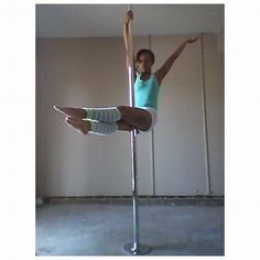Pole Sit #PrincessPoleFitness #Pole #PoleFitness #PoleDance #PoleDancer #Fitness #Health #PolePose #PoleSit