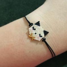 Bead Loom Bracelets, Beaded Bracelet Patterns, Seed Bead Art, Seed Bead Jewelry, Seed Bead Patterns, Beading Patterns, Art Perle, Melting Beads, Diy Jewelry