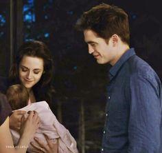 Mommy Bella, Daddy Edward & their baby girl.. aww<3