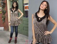 Wizards of Waverly Place Selena Gomez Closet, Selena Gomez Style, White Corset Top, Turtle Shirts, Alex Russo, Disney Inspired Fashion, American Eagle Skinny Jeans, Lace Slip, Fashion Tv