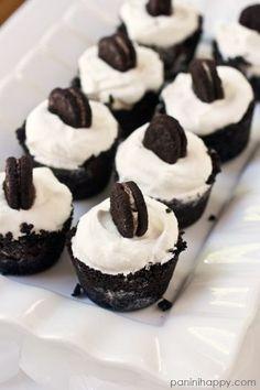 Baby Oreo Ice Cream Pies...get the recipe at www.paninihappy.com