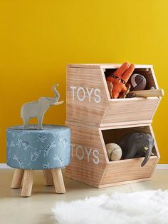 These storage cubes will put an end to messy rooms! They can store all your children's favourite teddies and toys! SIZE: height: 30 cm, length: 38 cm and dep Baby Furniture, Bedroom Furniture, Wood Bedroom, Furniture Storage, Teddy Storage, Toy Storage Cubes, Jungle Room, Kids Bedroom Designs, Toy Bins