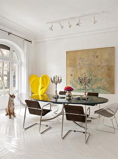 María Lladó Madrid apt artsy eclectic dining room