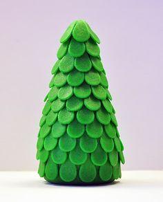 Judy's Cakes: Christmas Tree Tutorial #3