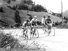 Storie di mezze calzette: quattro amici al bar e quattro biciclette