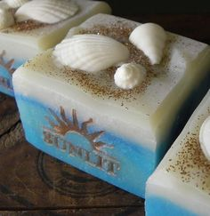 Handcrafted Artisan Soap. Fresh Beachy Scent. Sunlit door Sunlitsoap