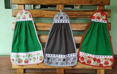 Bate mão atoalhado no Elo7 | Di Lourdes (88CA21) Towel Dress, Hand Towels, Pot Holders, Apron, Pastel, Sewing, Dresses, Fashion, Dish Towels