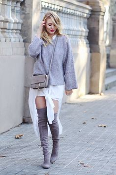 More on: ohhcouture.com | Streetstyle - over the knee boots by Stuart Weitzman, faye bag by Chloé | #ohhcouture #LeonieHanne