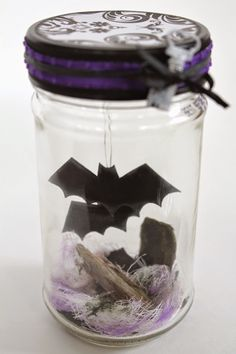 Scrappy Chick Designs: 15 Minute Halloween Kids Craft: Bat Terrarium~