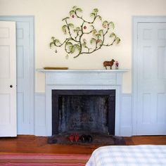10 Creative Ways to Decorate Your Mantel