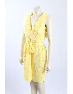 A vivid yellow coloured flower pattern dress By Donna Morgan. Fits perfect as work wear in the summer or casual weekend wear. in size Casual Weekend, Weekend Wear, Casual Dresses, Summer Dresses, Pattern Dress, Work Wear, Designer Dresses, Tommy Hilfiger, Calvin Klein