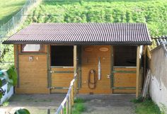 little horse barns | Found on utes-pferdeecke.de