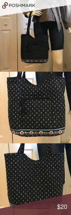 Vera Bradley purse 😊 Navy blue, light blue and white Vera Bradley purse 😊 with flowers on the bottom. Clean purse and in good condition no stains or tears. Magnetic closure. 10in H by 12.5in L by 4.5in W Vera Bradley Bags Shoulder Bags