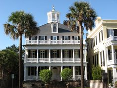 Charleston: South Battery mansion