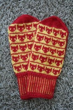 motif of fall 2013 Knit Mittens, Knitted Gloves, Wrist Warmers, Hand Warmers, Yarn Needle, Knit Crochet, Knitting Patterns, Diy And Crafts, Weaving