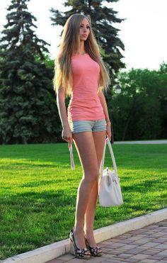 Ukrainische Barbiefrau vor und nach dem Abnehmen