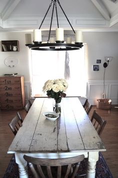 """Love the rustic look of this dining room! I am not a formal girl and don't need a """"formal"""" dining room table! Farmhouse Dining Room Table, Dinning Room Tables, Dining Room Furniture, Nook Table, Farm Tables, Kitchen Tables, Shabby Chic Kitchen, Kitchen Country, Decoration"""