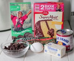 Thin Mint or tagalong cookie Gooey Cake Bars semi homemade easy Girl Scout recipe Tagalong Cookies, Gs Cookies, Thin Mint Cookies, Cookie Desserts, Cookie Recipes, Girl Scout Thin Mints, Girl Scout Cookie Sales, Gooey Bars, Girl Scout Cookies Recipes