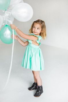The sweetest little girls dress, the Avery Pinafore from cuteheads. Perfect dress for toddlers and babies birthday parties, Easter, special occasions and more. // shop at cuteheads.com