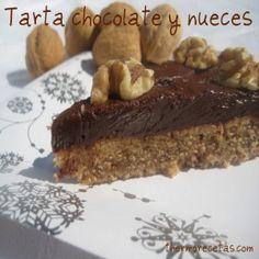 ¿Te gusta disfrutar del delicioso sabor del chocolate con nueces? ¿Qué te parece si preparamos una rica tarta para acompañar el café o la merienda?