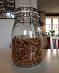 Hjemmelavet müsli med gryn, flager og nødder