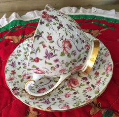 Vintage Clarence Bone China Rose Chintz Teacup Cup & Saucer