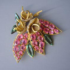 Eisenberg Original flower pink rhinestone fur clip 1940s