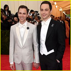 Jim Parsons & Partner Todd Spiewak Hold Hands on Met Ball 2014 Red Carpet