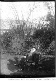 Claude Monet, peintre : dans son jardin