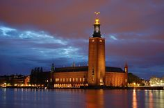 Bellissima foto di #Stadshuset, il Municipio di #Stoccolma in #Svezia #insvezia