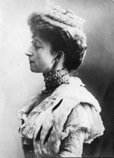 Portrett av dronning Maud  @ DigitaltMuseum.no
